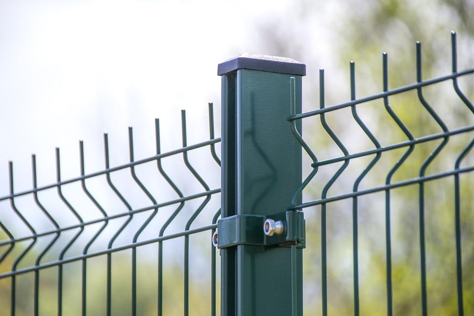 Montaż ogrodzeń – poradnik